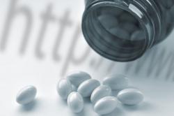 Депутаты одобрили допуск оптовых компаний к дистанционной торговле лекарствами